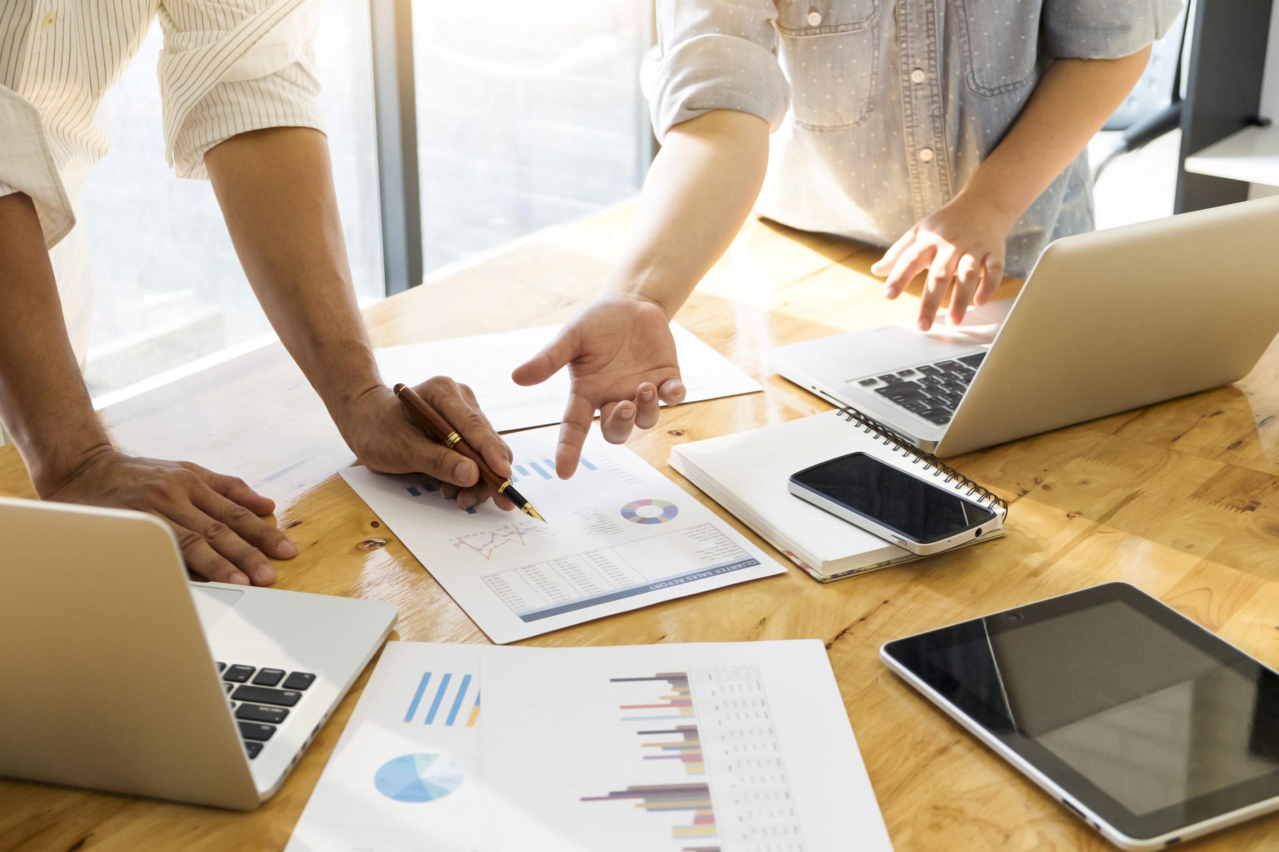 Montar um time de Marketing ou contratar uma agência?